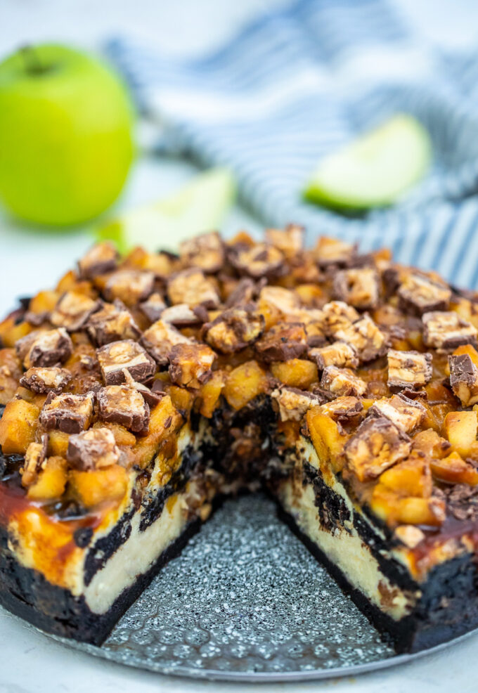 Apple Snickers Cheesecake SweetandSavoryMeals
